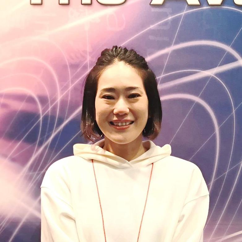 青柳亜由美さん